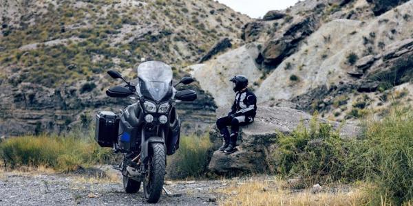 na lekker werken komt genieten als je je motorrijbewijs haalt bij rijschool ten Have Doetinchem, vrijheid op twee wielen
